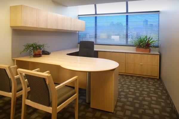 Maple Veneer P Top Desk Suite