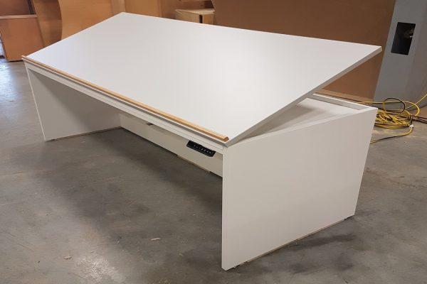 Height Adjustable Plan Table