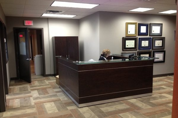 Laminate Reception With Dual InLay Stripes