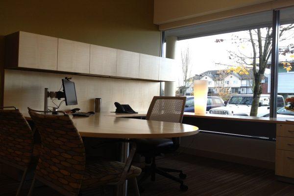 1/4 Cut Maple Veneer Desk
