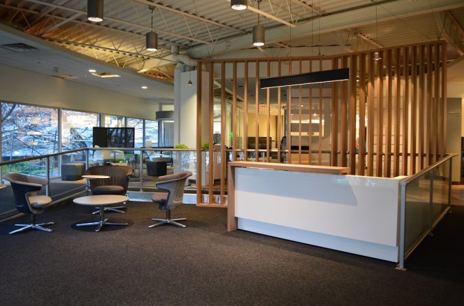 Stylish High Gloss White Laminate & Rift Cut White Oak Veneer Reception Desk