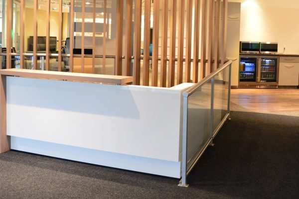 Stylish High Gloss White Laminate & Rift Cut White Oak Veneer Reception Desk