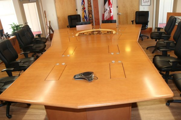 1/4 Cut Veneer Table With 10 Pop Up Monitors & Multi Species Veneer Inlay