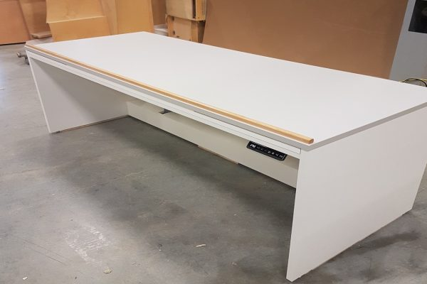 Height Adjustable Plan Table