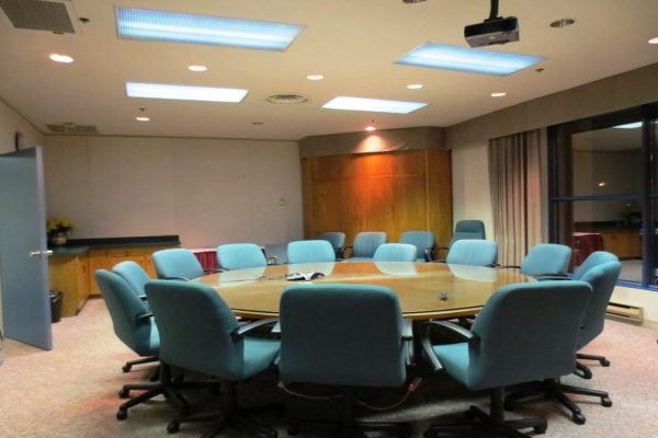Round Table And Glass Top