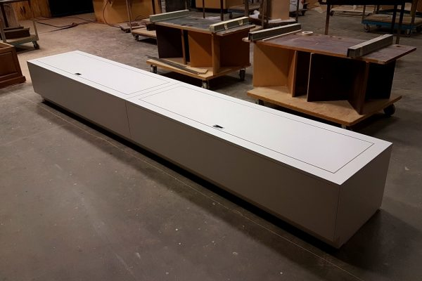 Laminate Storage Bench With Pneumatic Hinged Seats