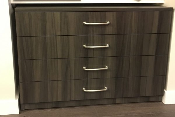 Custom Fit - Clothes Dresser