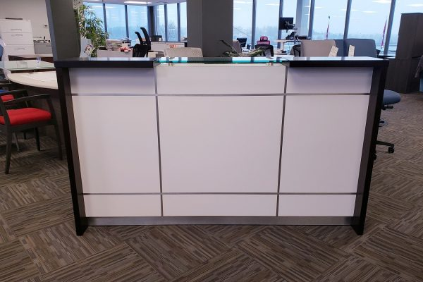HP Laminate Reception - Satin Chrome Inlay, Veneer & Glass Transaction Top